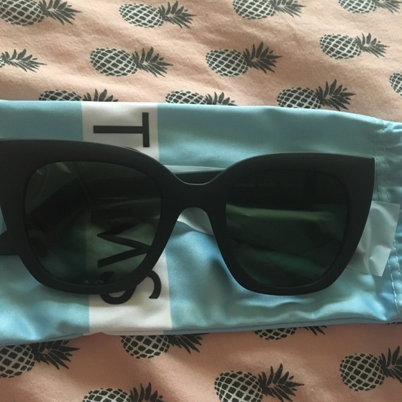 Toms cat eye sunglasses